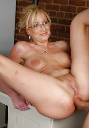 Having fun with granny neighbor amateur