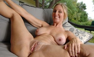Mature Women Getting Cumshot