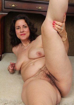 Curvy mature galleries — img 10