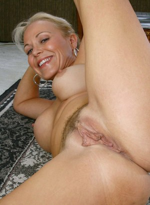 pussy pic at home